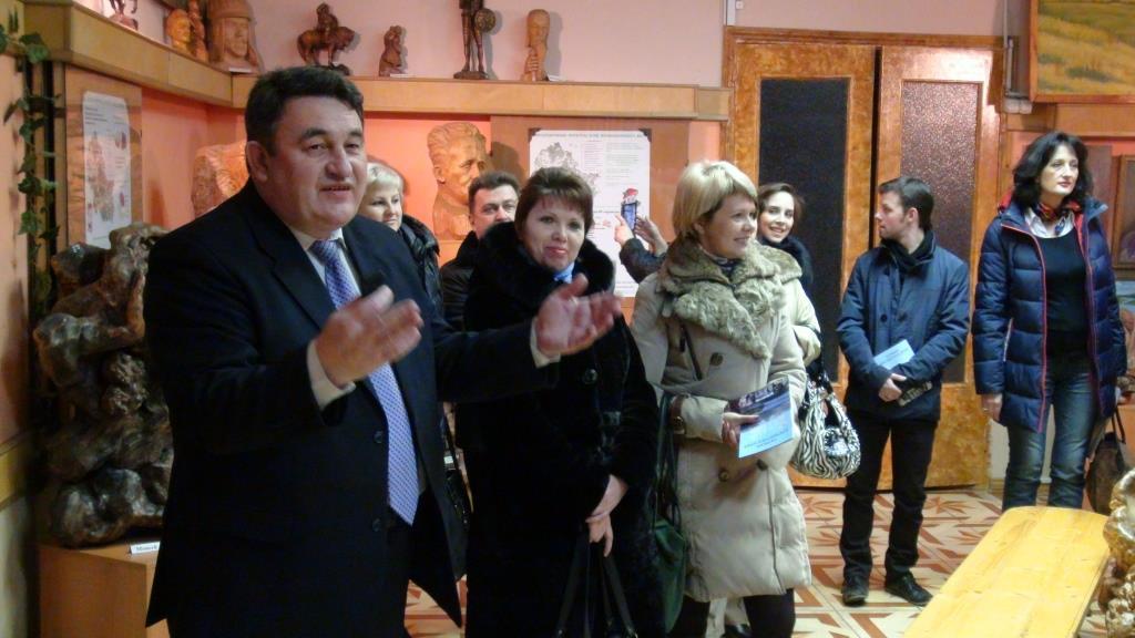 Заместитель главы администации Первомайсикого муниципального района Бредников Анатолий Витальевич приветствует участников семинара.